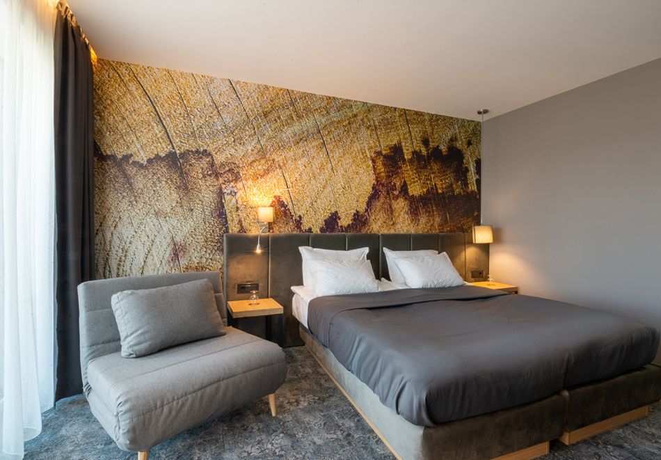 7 нощувки на човек със закуски и вечери + минерални басейни + вход за Аква клуб Котвата и релакс зона в хотел Петте елемента, Сапарева баня, снимка 6