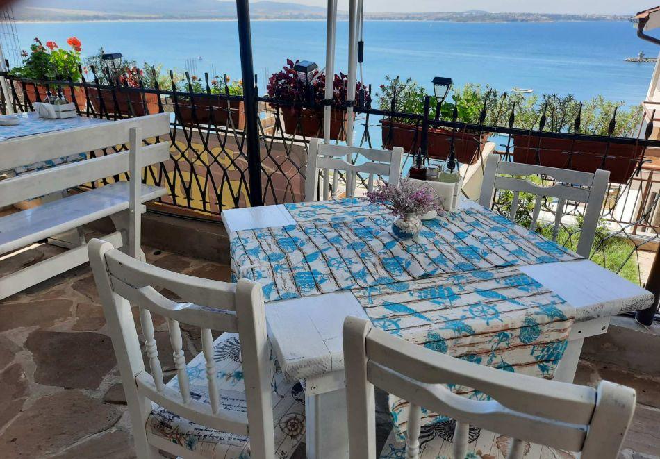 Нощувка на човек със закуска или закуска и вечеря в Къща за гости Орион, Созопол, снимка 15