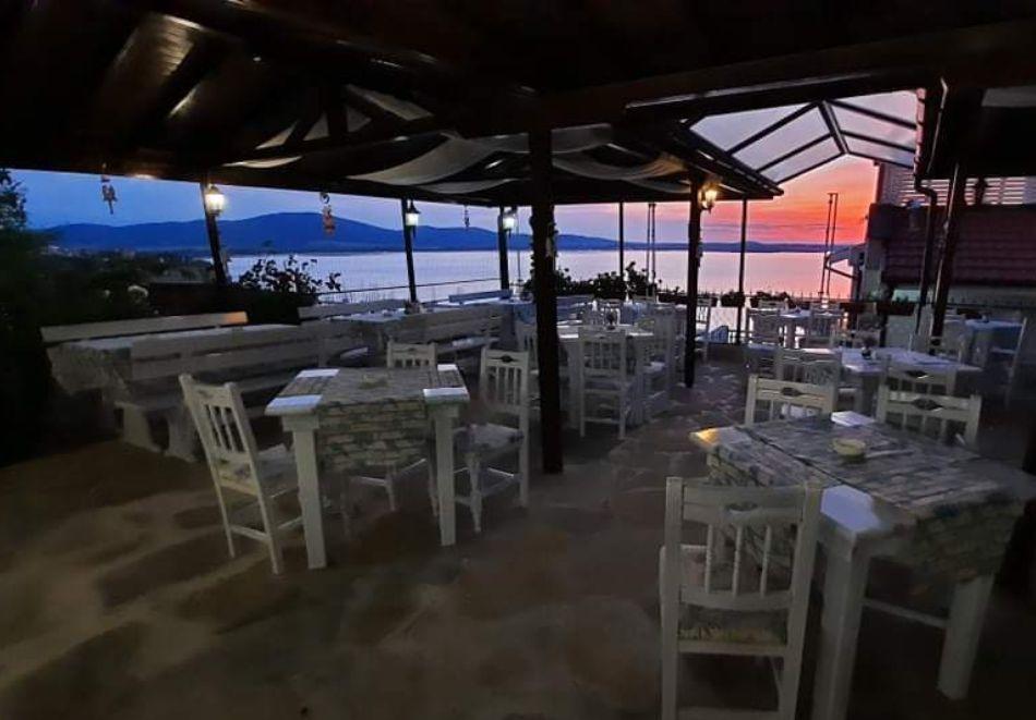 Нощувка на човек със закуска или закуска и вечеря в Къща за гости Орион, Созопол, снимка 14
