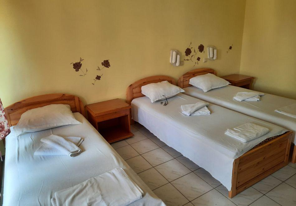 Нощувка на човек в хотел Невен, Кранево, снимка 9