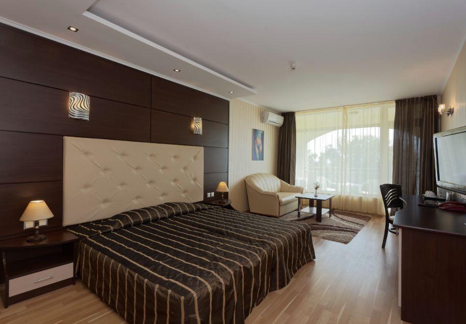 На ПЪРВА ЛИНИЯ в Златни пясъци. Нощувка на човек на база All inclusive + басейн в хотел Калиакра Палас****. Дете до 12 г. - БЕЗПЛАТНО, снимка 6