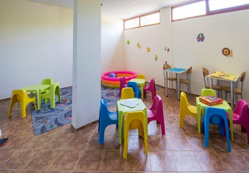 Нощувка на човек на база All Inclusive + басейн, шезлонг и чадър в Серена Резиденс, Созопол. Дете до 11.99 г. - БЕЗПЛАТНО!!!, снимка 15
