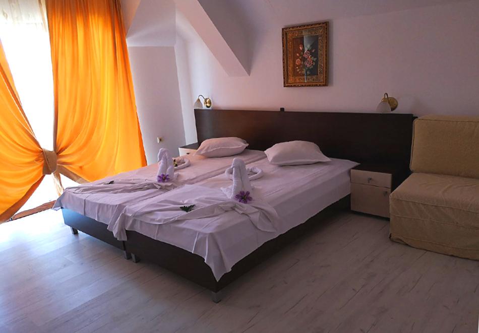 2 + нощувки на човек в хотел Ванини, Несебър, снимка 11