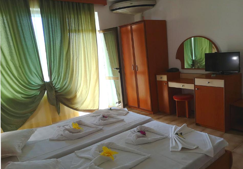 2 + нощувки на човек в хотел Ванини, Несебър, снимка 10