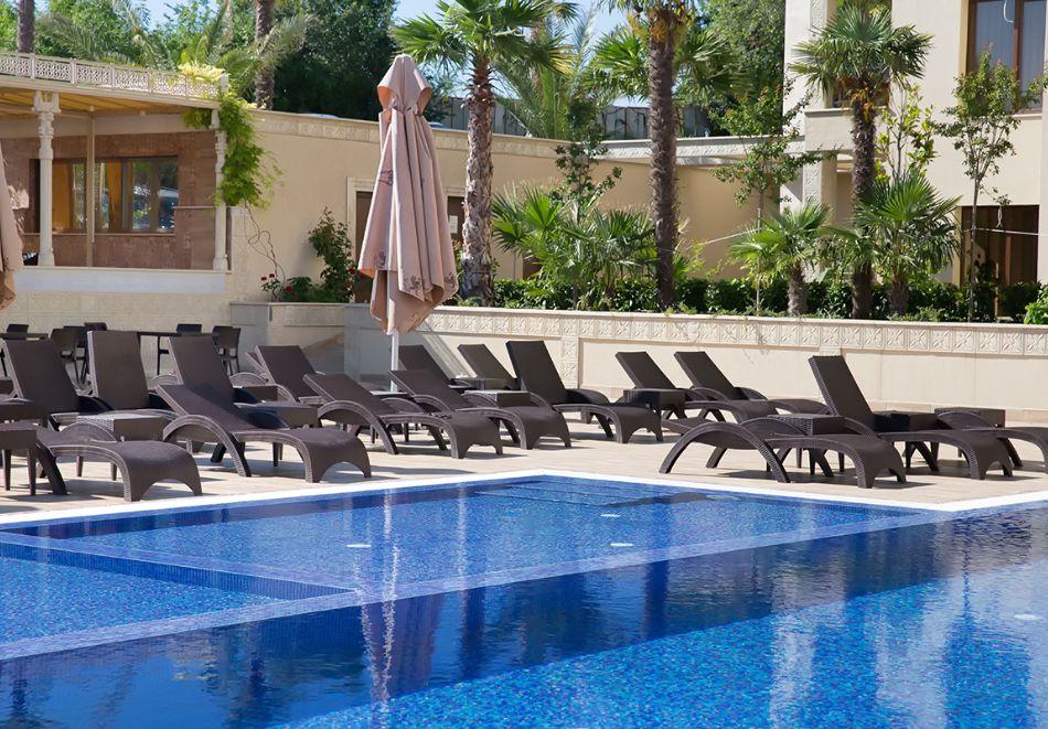 Нощувка на човек на база All inclusive + 4 басейна и паркинг в апартхотел Аргищ Партез****, Златни Пясъци. На 150 м от брега на морето!, снимка 11