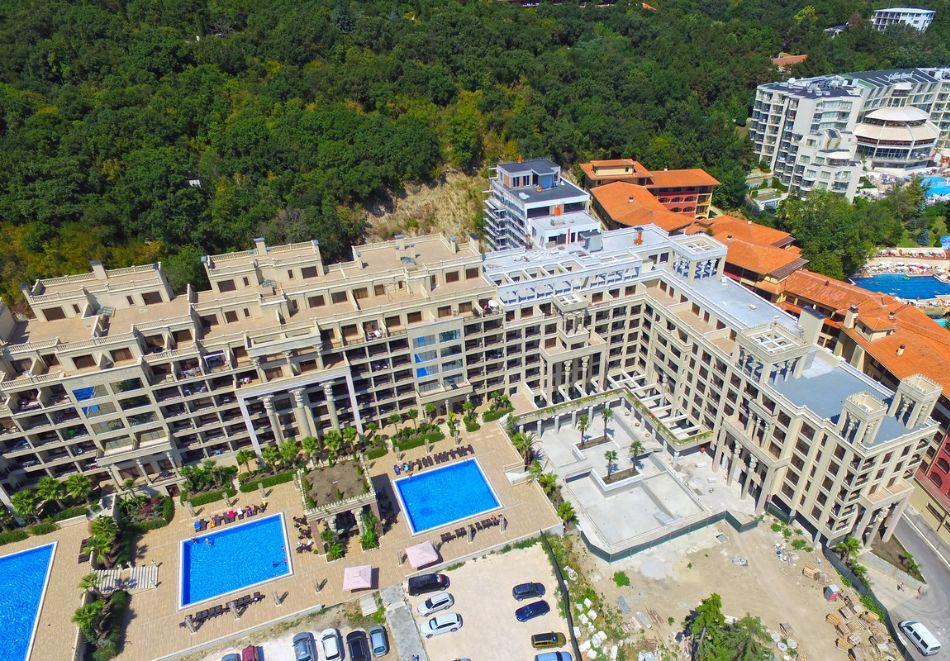 Нощувка на човек на база All inclusive + 4 басейна и паркинг в апартхотел Аргищ Партез****, Златни Пясъци. На 150 м от брега на морето!, снимка 10