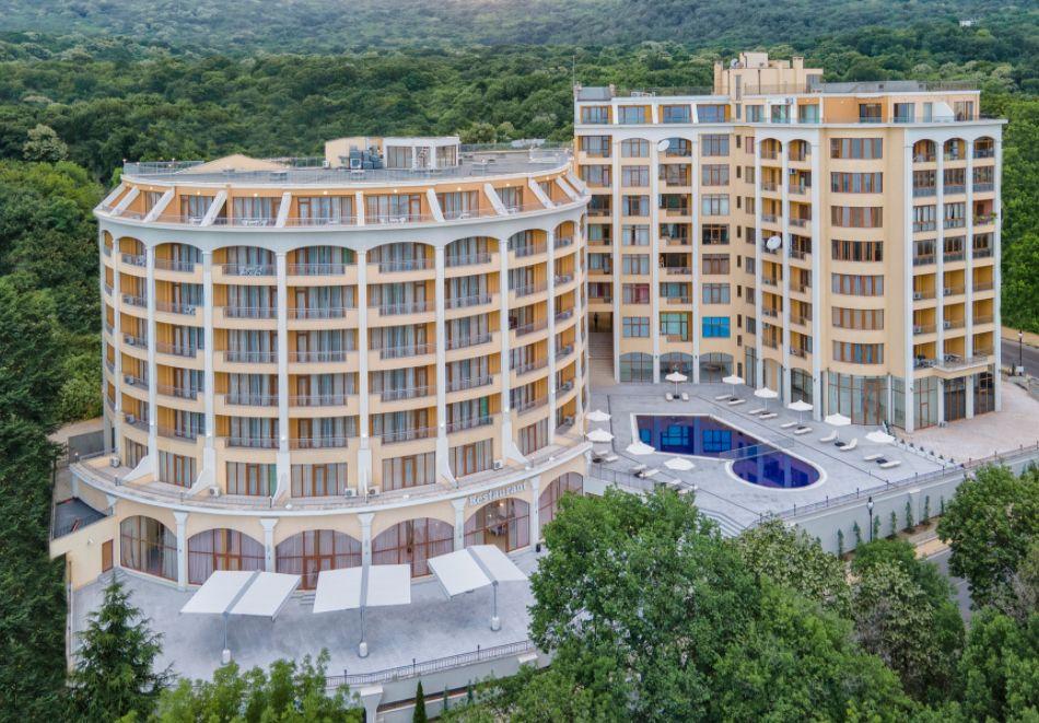 Нощувка със закуска на човек + басейн с морска вода и релакс зона в хотел Континентал, Златни Пясъци! Дете до 12г. - БЕЗПАЛТНО, снимка 27