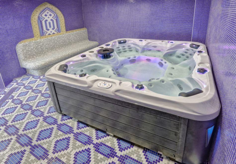 Нощувка със закуска на човек + басейн с морска вода и релакс зона в хотел Континентал, Златни Пясъци! Дете до 12г. - БЕЗПАЛТНО, снимка 19