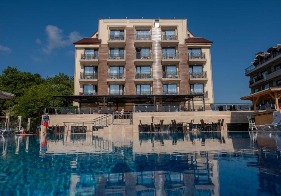 На първа линия в Кранево. Нощувка на човек на база All inclusive + басейни, шезлонг и чадър от хотел Верамар Бийч****, снимка 10