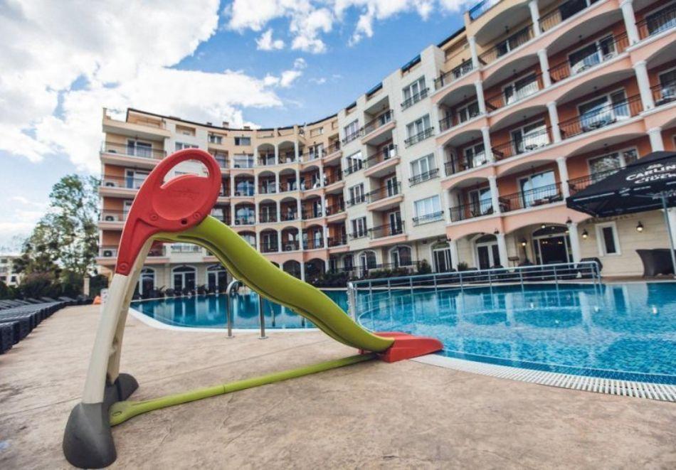 Нощувка на човек на база All Inclusive + басейн и релакс зона в хотел Авеню Делукс, Слънчев Бряг. Дете до 12.99г. БЕЗПЛАТНО!, снимка 5