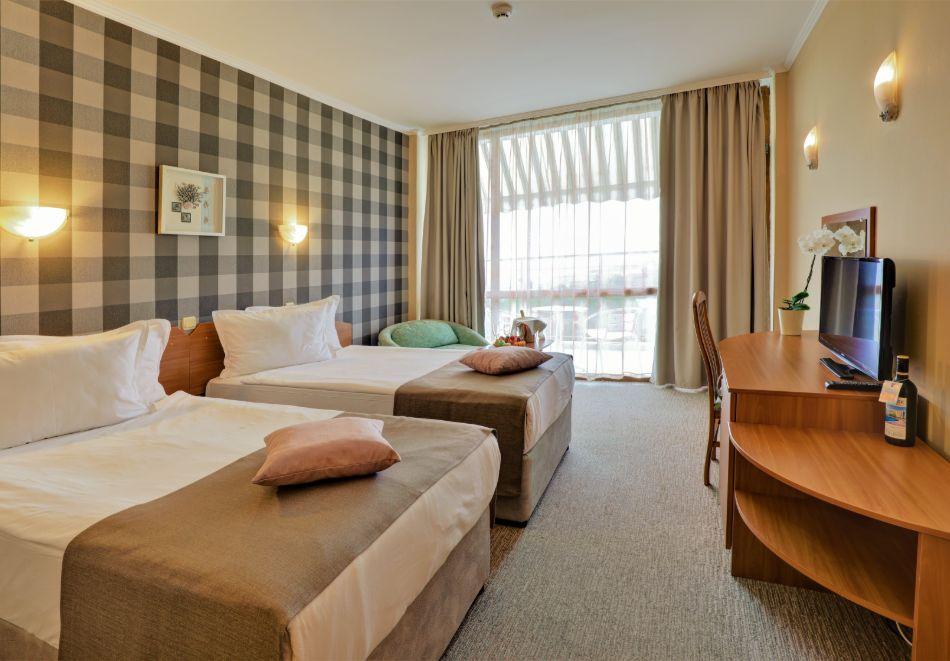 Нощувка на човек на база All Inclusive + басейн в хотел Мирабел****, Златни пясъци, снимка 9