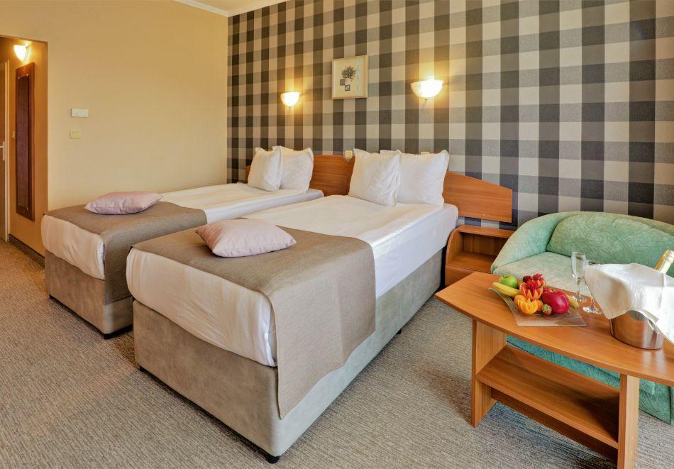 Нощувка на човек на база All Inclusive + басейн в хотел Мирабел****, Златни пясъци, снимка 11