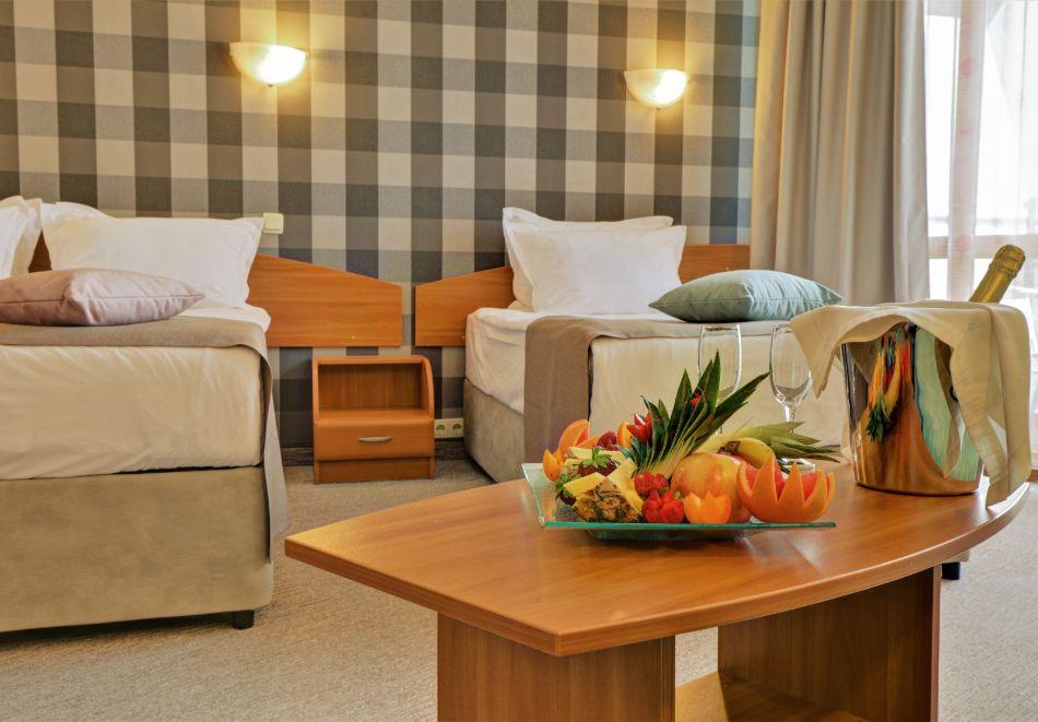 Нощувка на човек на база All Inclusive + басейн в хотел Мирабел****, Златни пясъци, снимка 13
