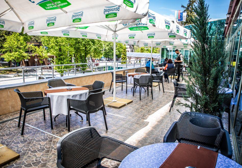 3 нощувки на човек със закуски, обеди и вечери + балнеолечебен пакет + минерален басейн в хотел Здравец Конференс и СПА, Велинград, снимка 6