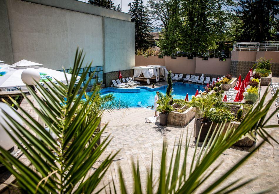 3 нощувки на човек със закуски, обеди и вечери + балнеолечебен пакет + минерален басейн в хотел Здравец Конференс и СПА, Велинград, снимка 5