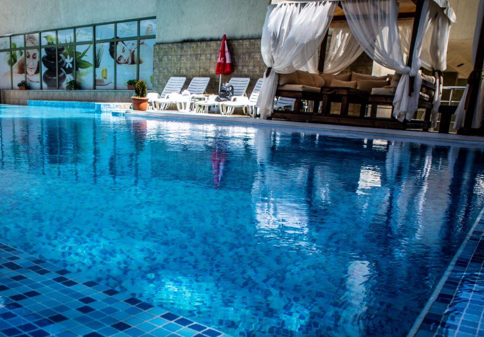3 нощувки на човек със закуски, обеди и вечери + балнеолечебен пакет + минерален басейн в хотел Здравец Конференс и СПА, Велинград, снимка 3