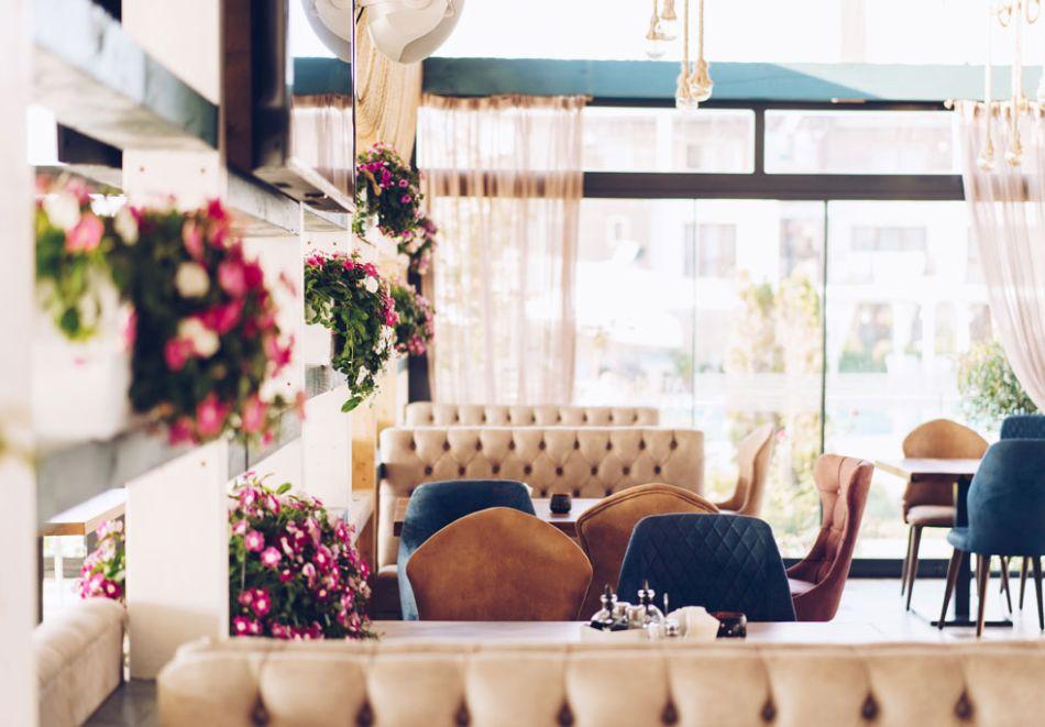 На първа линия в Созопол! Нощувка на човек със закуска + басейни от Хотел Аполония Ризорт****, снимка 21
