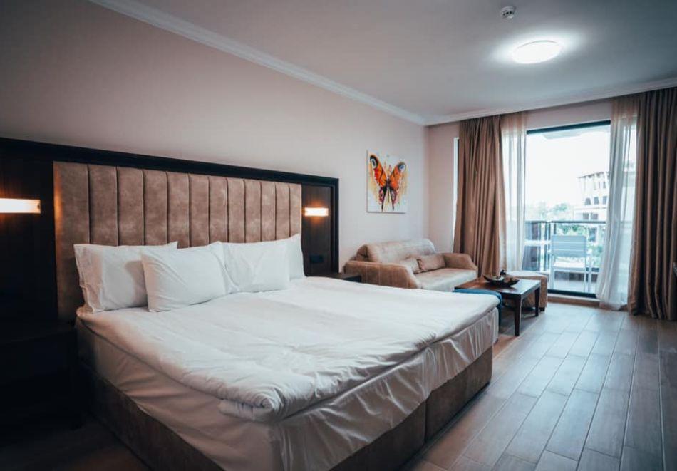 На първа линия в Созопол! Нощувка на човек със закуска + басейни от Хотел Аполония Ризорт****, снимка 11
