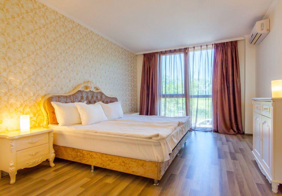 На първа линия в Созопол! Нощувка на човек със закуска + басейни от Хотел Аполония Ризорт****, снимка 12
