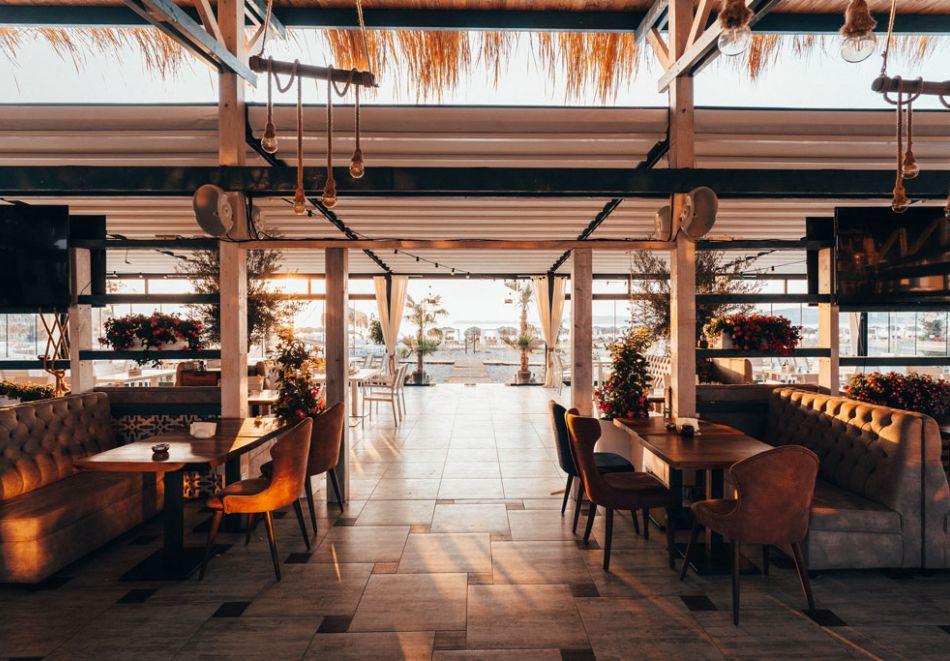 На първа линия в Созопол! Нощувка на човек със закуска + басейни от Хотел Аполония Ризорт****, снимка 14