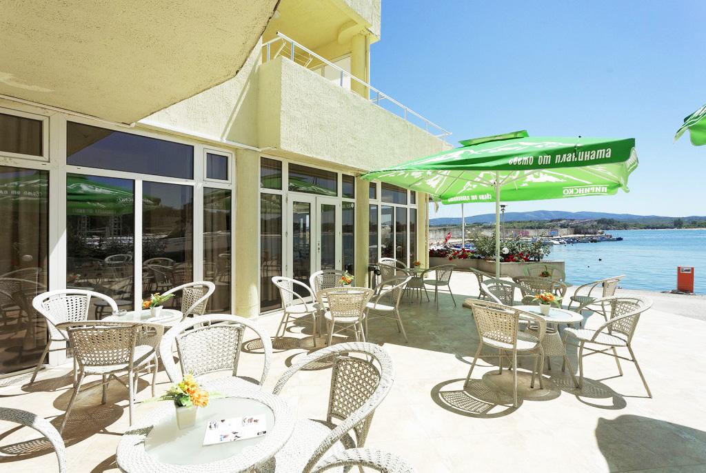 5 или 7 нощувки на човек на база All inclusive ligth на 1-ва линия в Китен + шезлонг и чадър на плажа от хотел Марина***, снимка 16