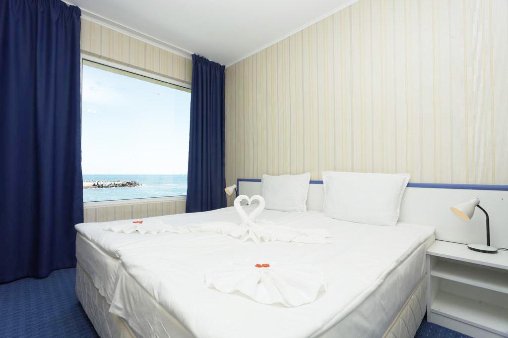 5 или 7 нощувки на човек на база All inclusive ligth на 1-ва линия в Китен + шезлонг и чадър на плажа от хотел Марина***, снимка 12