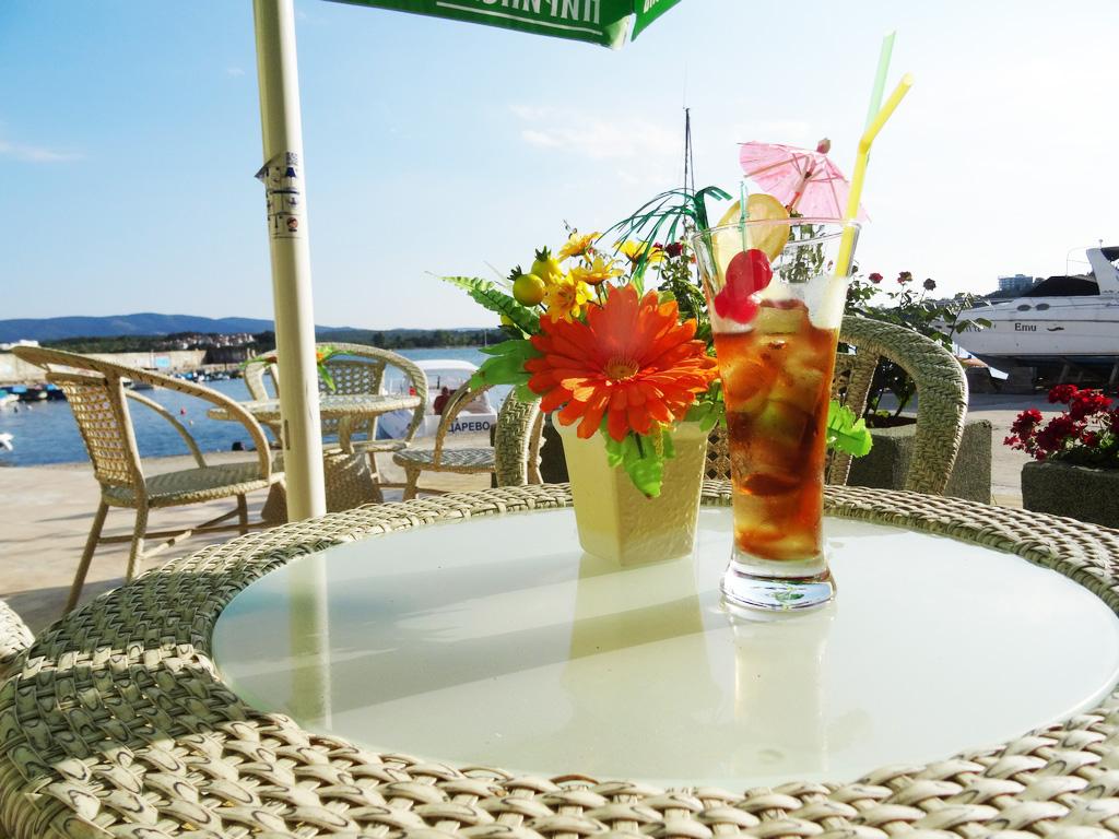 5 или 7 нощувки на човек на база All inclusive ligth на 1-ва линия в Китен + шезлонг и чадър на плажа от хотел Марина***, снимка 4