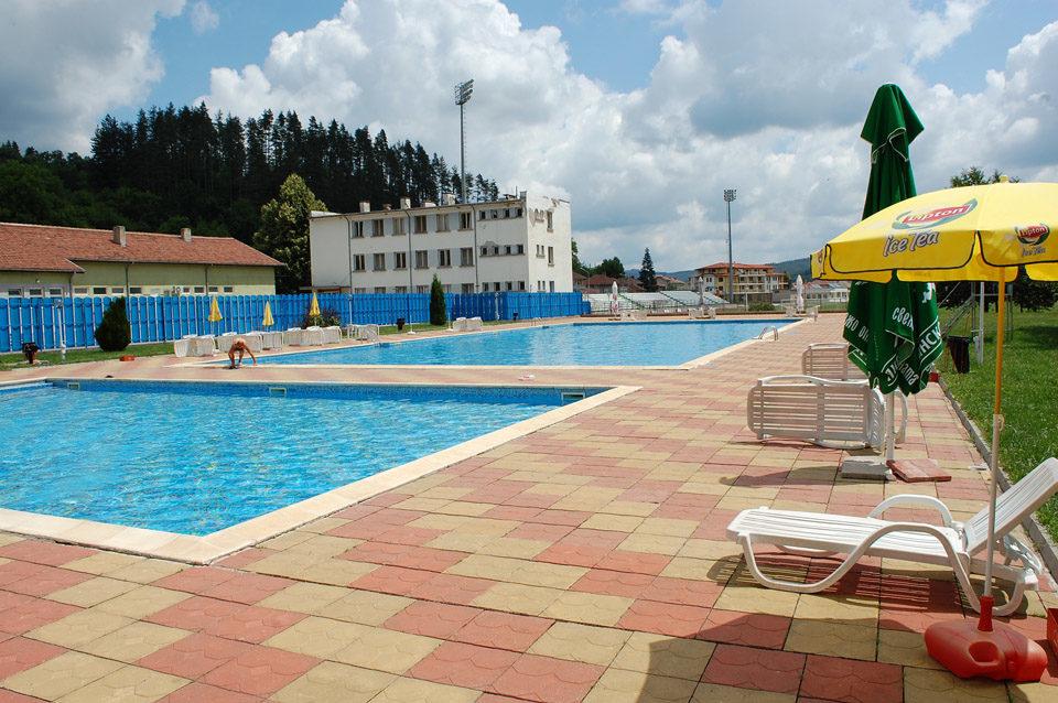 Лято в Трявна. 1, 2 или 3 нощувки на човек със закуски и вечери + ползване на басейн в хотел Бела, Трявна, снимка 18
