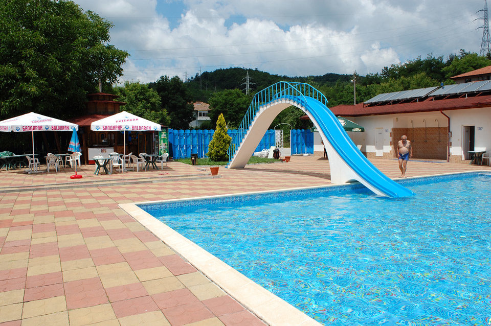 Лято в Трявна. 1, 2 или 3 нощувки на човек със закуски и вечери + ползване на басейн в хотел Бела, Трявна, снимка 16