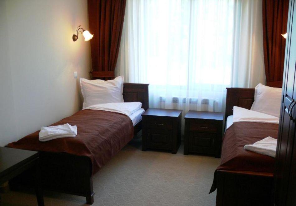 През Юли и Август в Трявна. 1 или 2 нощувки на човек със закуски и вечери в хотел Бела, Трявна, снимка 2