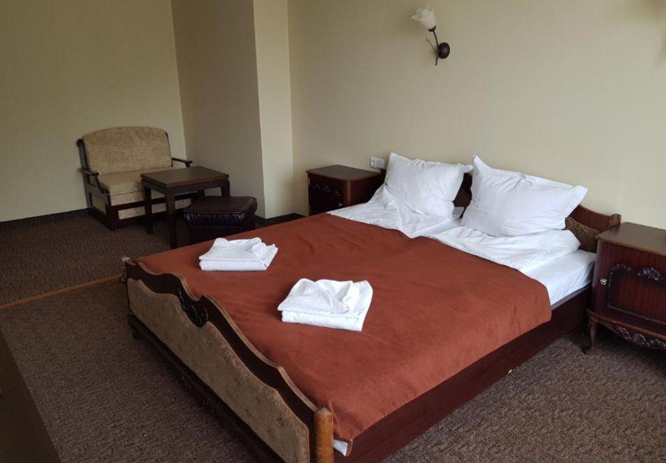През Юли и Август в Трявна. 1 или 2 нощувки на човек със закуски и вечери в хотел Бела, Трявна, снимка 10