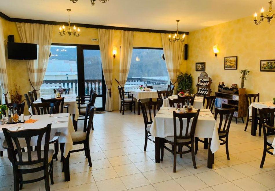 През Юли и Август в Трявна. 1 или 2 нощувки на човек със закуски и вечери в хотел Бела, Трявна, снимка 5