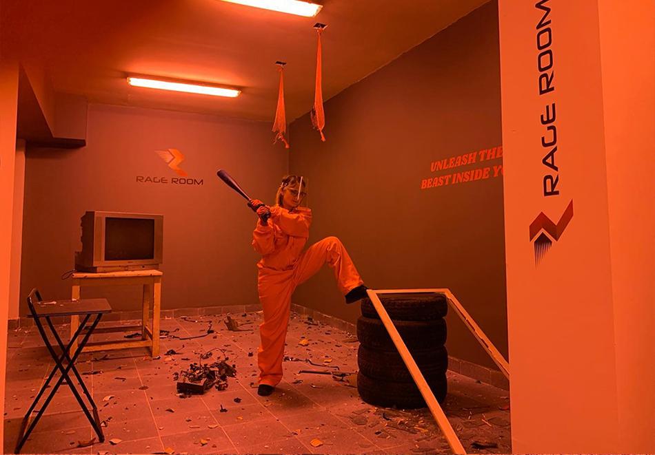 25 минути за един човек в антистрес стая Rage Room, София, снимка 2