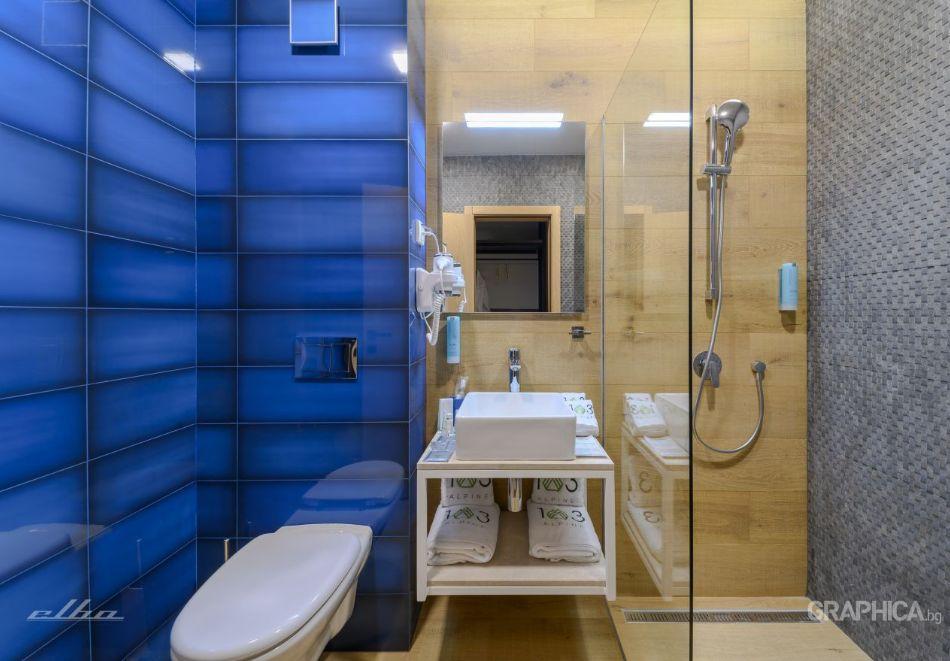 Нощувка със закуска на човек + басейн с подсолена вода и СПА в Семеен Хотел 103 Алпин, Паничище, снимка 20