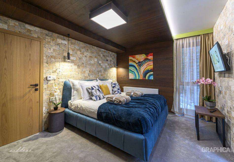 Нощувка със закуска на човек + басейн с подсолена вода и СПА в Семеен Хотел 103 Алпин, Паничище, снимка 10