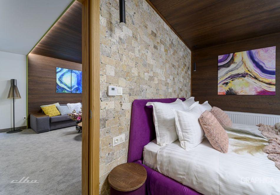 Нощувка със закуска на човек + басейн с подсолена вода и СПА в Семеен Хотел 103 Алпин, Паничище, снимка 8