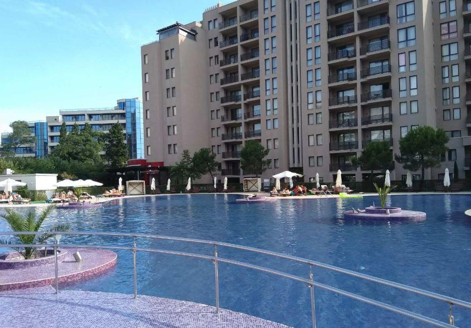 4, 5, 6 или 7 нощувки за двама + 1 дете + 4 басейна и релакс зона от Студио АРЕНДО в комплекс Роял Бийч Барсело, Слънчев бряг, снимка 6