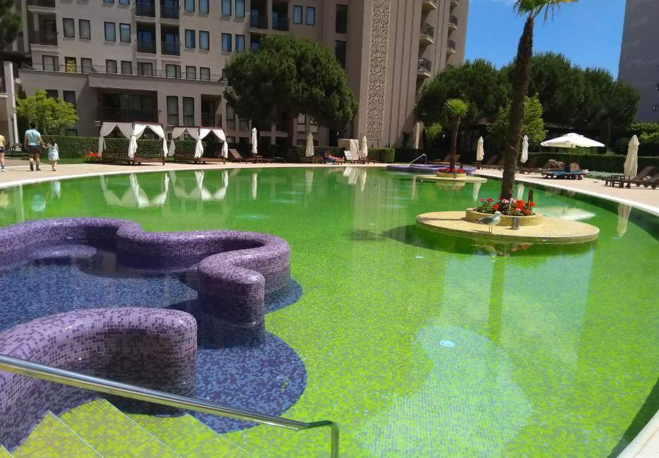 4, 5, 6 или 7 нощувки за двама + 1 дете + 4 басейна и релакс зона от Студио АРЕНДО в комплекс Роял Бийч Барсело, Слънчев бряг, снимка 26