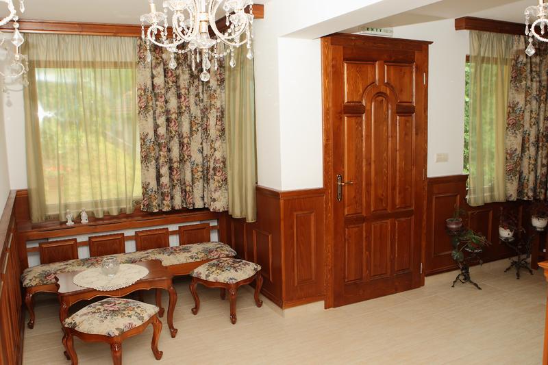 Нощувка на човек със закуска и вечеря + басейн в Семеен хотел Куклите 2, край Трявна, снимка 10