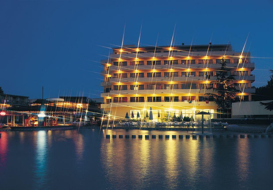 Нощувка на човек със закуска и вечеря в Парк хотел Континентал***, Слънчев бряг, снимка 2