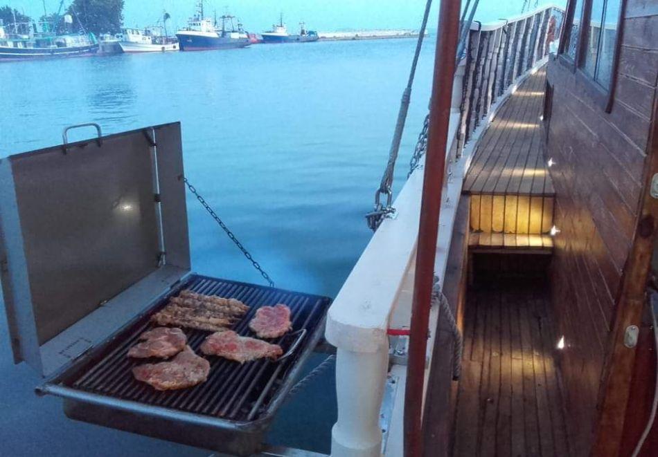 Круиз с включен обяд или вечеря за един човек с Яхта Кибела, Несебър, снимка 3