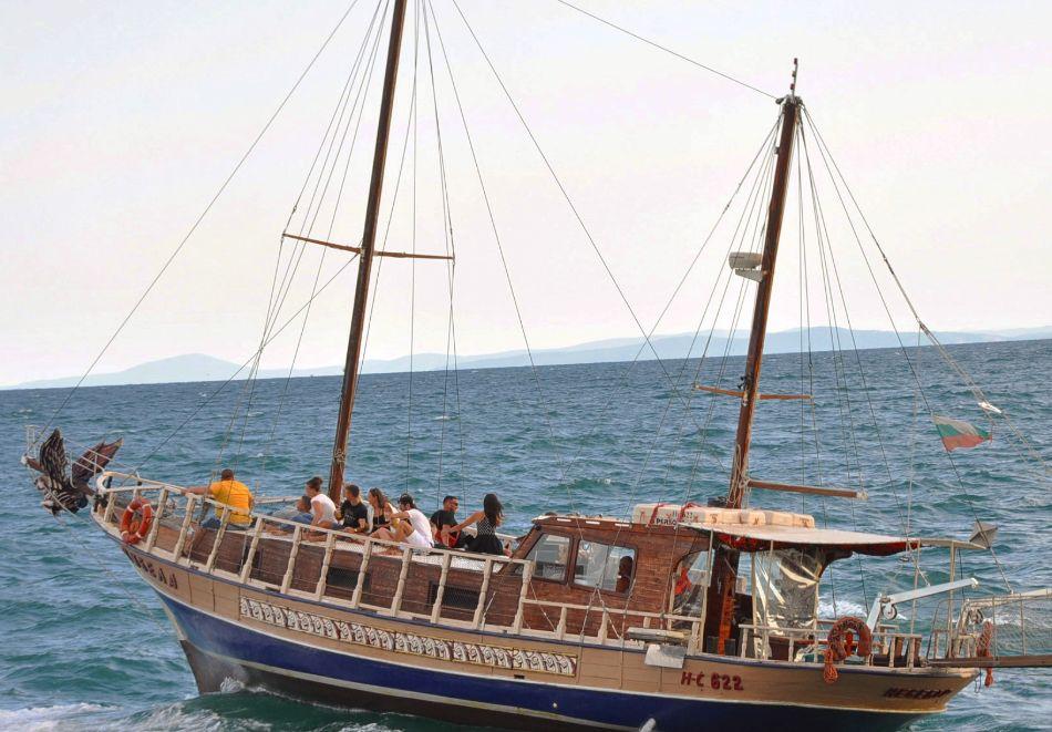 Круиз с включен обяд или вечеря за един човек с Яхта Кибела, Несебър, снимка 6