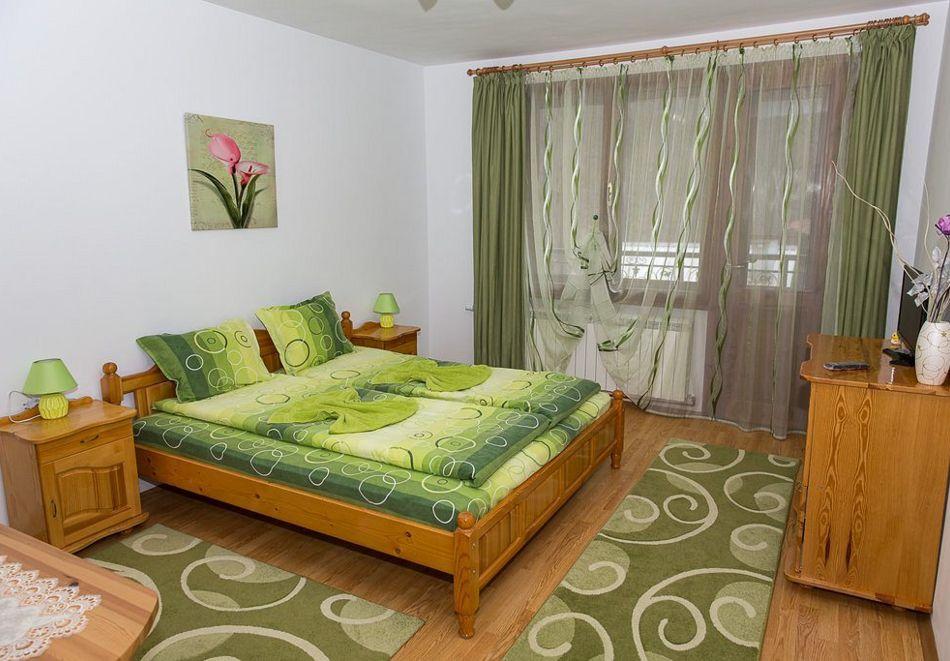 Нощувка със закуска на човек + басейн в семеен хотел Горски кът, с. Врабево край Троян, снимка 10