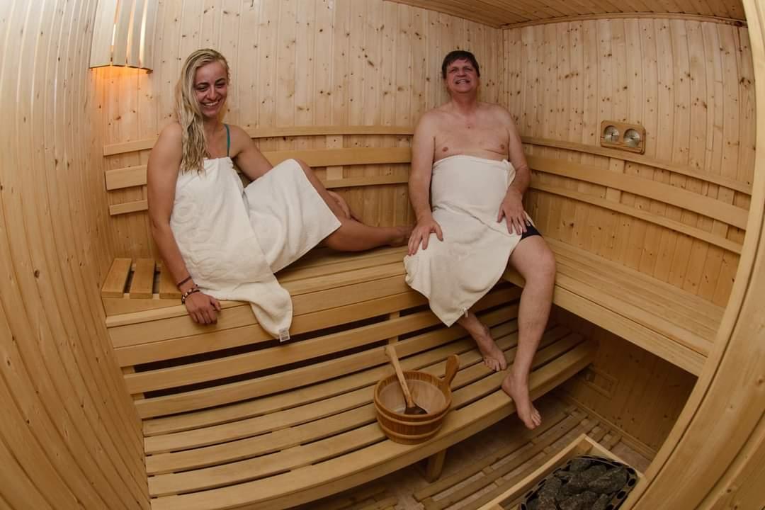 Нощувка в апартамент за четирима + релакс зона в Апартаменти за гости в Пампорово, снимка 16