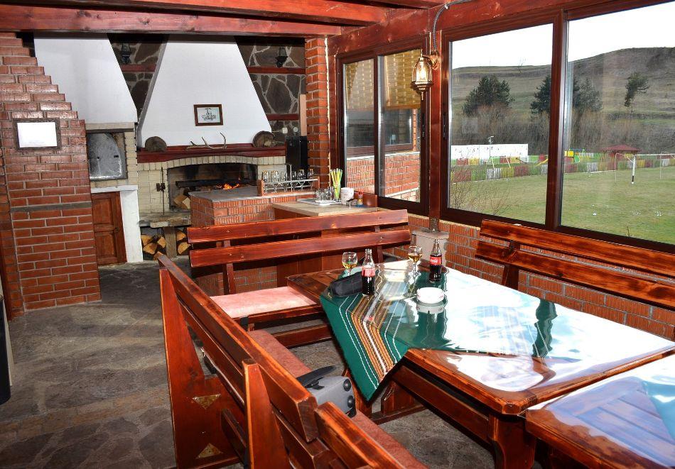 Почивка в Родопите! Нощувка на човек със закуска и вечеря  в семеен хотел Дейзи, с. Борино, снимка 12
