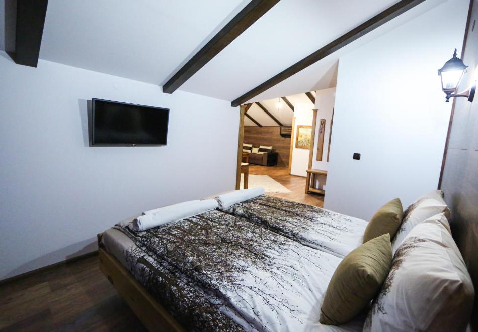 Почивка в Лещен Нощувка на човек със закуска + басейн и релакс пакет от Къща за гости Родопски кът, снимка 15