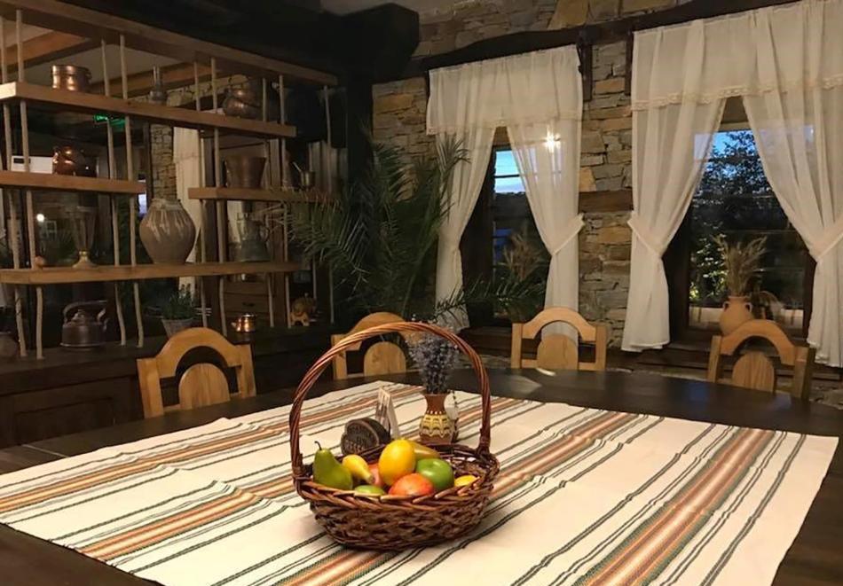 Почивка в Лещен Нощувка на човек със закуска + басейн и релакс пакет от Къща за гости Родопски кът, снимка 13