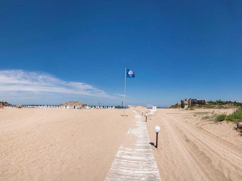 На ПЪРВА линия, плаж Оазис Бийч, Лозенец! Нощувка за ДВАМА или ТРИМА + басейн в хотел Оазис дел Сол. Дете до 12г. - безплатно, снимка 5