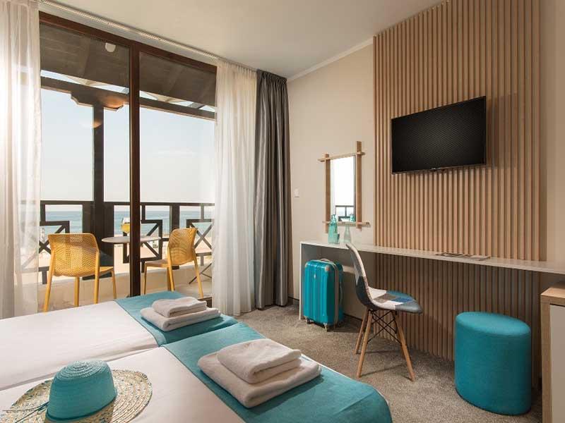 На ПЪРВА линия, плаж Оазис Бийч, Лозенец! Нощувка за ДВАМА или ТРИМА + басейн в хотел Оазис дел Сол. Дете до 12г. - безплатно, снимка 12