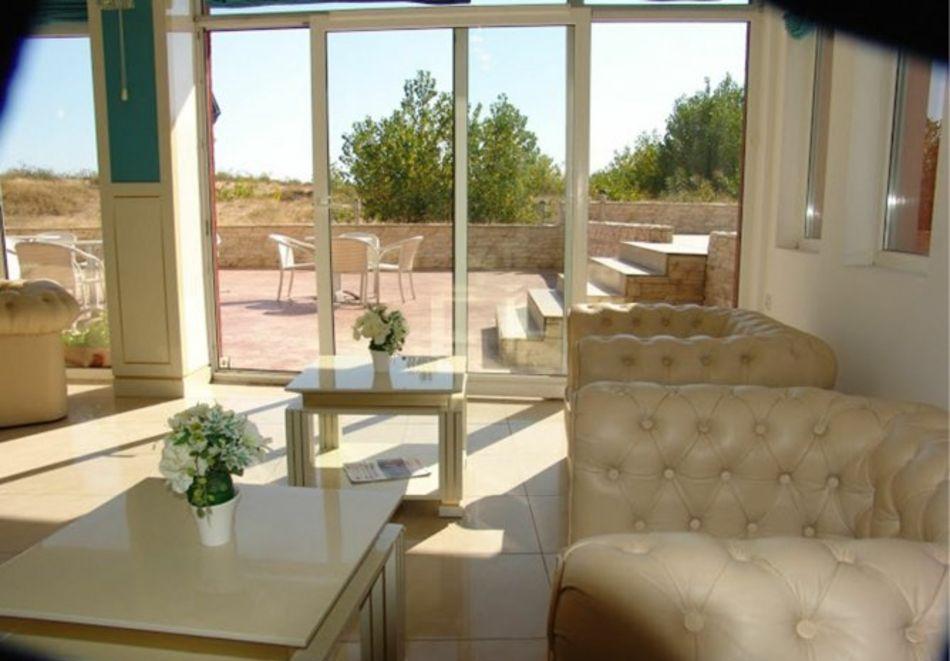 Нощувка за 5-ма в апартамент с гледка море + басейн от хотел Руби, Слънчев бряг, снимка 17